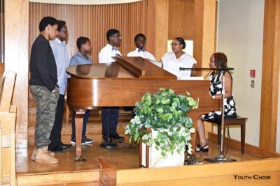 DSC 2918 youth choir